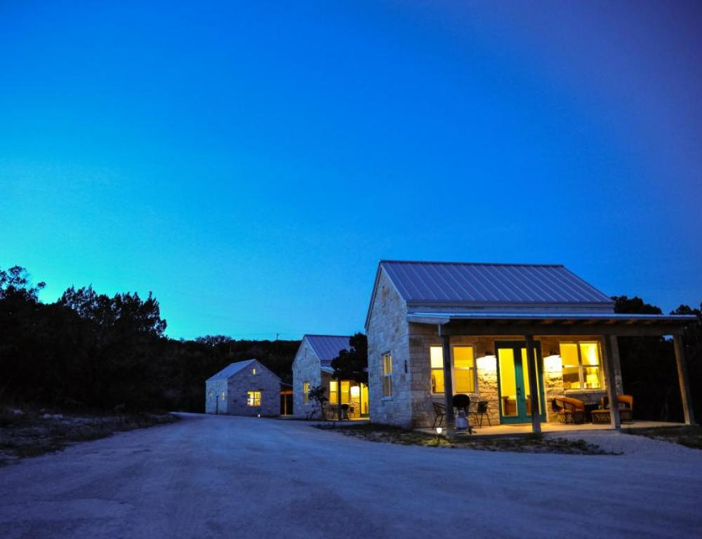 luxury lodging in dripping springs