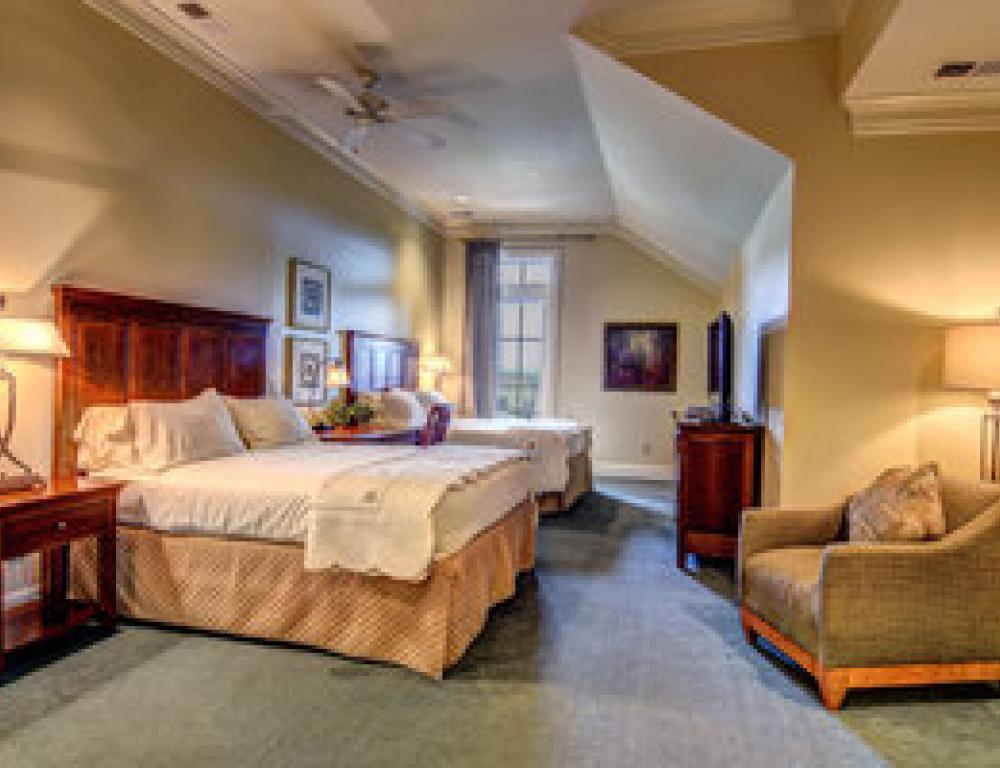 River Landing Luxury Suites and Cottages