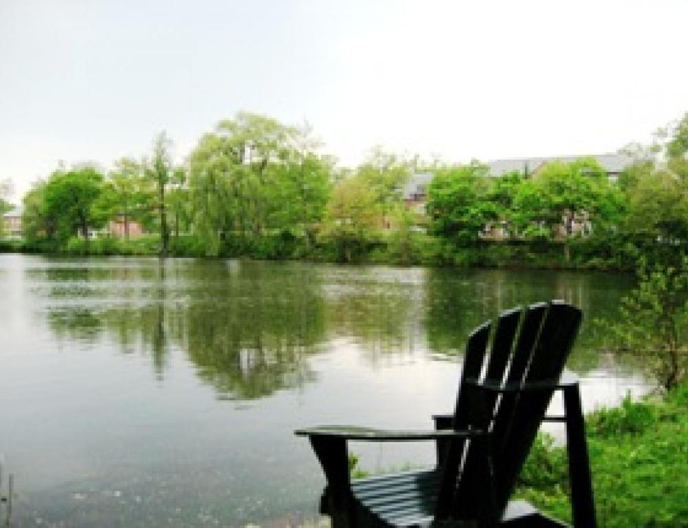 Upper and lower lake offer a space for relaxation