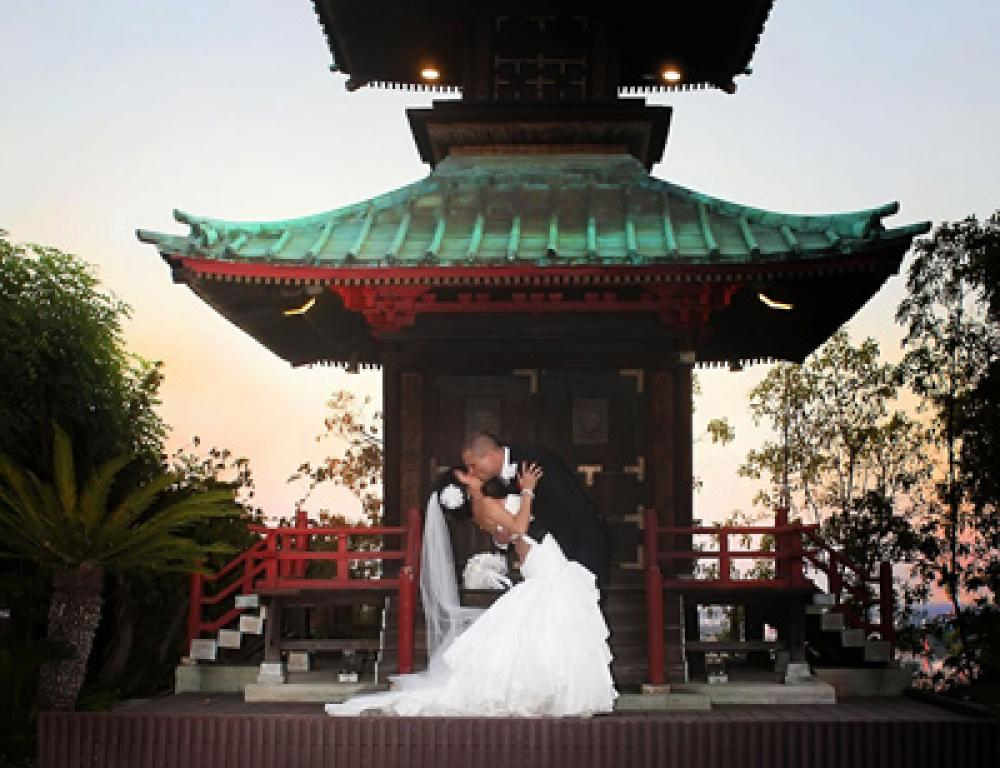 600 Year-Old Pagoda and Wedding Photo