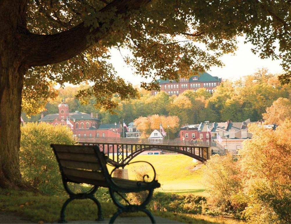 Fall Bench in Galena