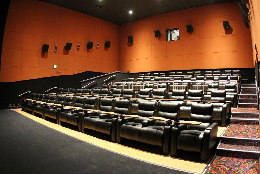 Regal Avalon 12 >> Rent A Movie Theater With Regal And Unique Venues